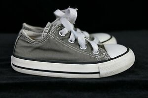 CONVERSE GRAY TODDLER SIZE 6 SNEAKERS
