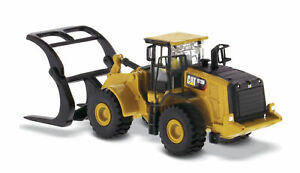 Diecast Masters 85950 Cat 972M Wheel Loader with Log Fork 1/87 Scale Model