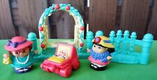FISHER PRICE LITTLE PEOPLE GARDEN TEA PARTY SWING, 2 LADIES, BABY CARRIAGE -2002