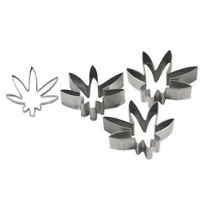 CANNABIS MARIJUANA WEED 3D COOKIE CUTTERS SET OF 3 by Beistle Company 59242