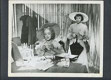 MARLENE DIETRICH + JANE WYMAN - 1950 STAGE FRIGHT - ALFRED HITCHCOCK FILM