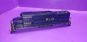 SHELL AND RAILINGS ONLY HO SCALE ATHEARN GP35 BALTIMORE AND OHIO 6904 LOCOMOTIVE