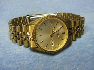 Men's PULSAR Water Resistant Gold Watch w/ New Battery