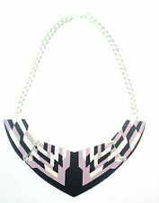 Gold Zigzag Statement Necklace (Cl12) Women'S Colour Blocking Black, Pink And