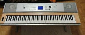 Keyboard Yamaha DGX-620 Portable Grand, kaum benutzt, sehr guter Zustand.