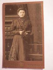 Freiberg i. S. - stehende junge Frau im Kleid - Portrait / CDV