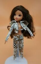 MGA MOXIE GIRLZ GIRLS DOLL BAKER Sophina with Outfit Clothing Clothes