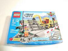 Lego 7936 City Train Level Crossing (Brand New & Sealed)