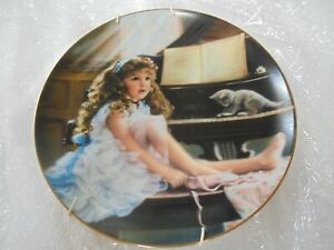 Vintage wall hung Reco collectors plate 'The Rehearsal'