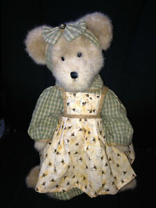 """Boyds bear MRS. BEEZLEY head bean collection 16"""" w/tag & stand"""
