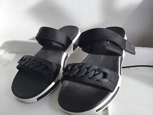 FitFlop Heda Chain Detail Back Strap Sandal Size 39 Uk 6