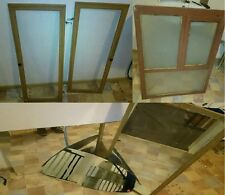 Zwei alte Schranktüren mit Glasfenster, ein uraltes Fenster, 4 alte Spiegel