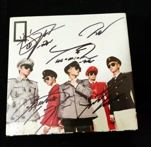 hand signed SHINEE autographed album Everybody limited rare+signed photo k-pop