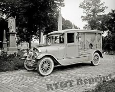 Photograph Hanlon Vintage Ford Lincoln Funeral  Hearse 1920c    8x10
