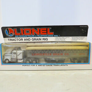 Lionel Semi with Grain Trailer 1/87 Scale 6-12779