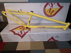 """S&M BMX 24"""" CRUISER YELLOW STEEL PANTHER 21.5TT FRAME"""