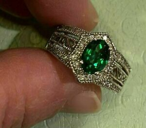 3 Ct Oval Cut Emerald Halo Diamond Women's Engagement Ring 14K White Gold Finish