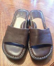 Women's Born Brown Leather Sandals Slides Slip On size 1 US / 32.5 eur
