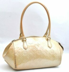 Authentic Louis Vuitton Vernis Sher Wood PM Hand Bag Cream LV A1441