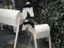 2 Stück Holzpferd Voltigierpferd Holzpony Pferd Pony 114 cm u 64 cm Höhe Fell 1