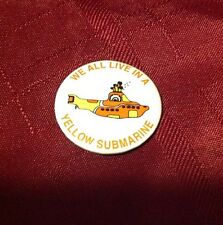 The Beatles - We All Live in a Yellow Submarine - Pin Button - Enterprises KFS