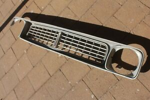VALIANT CHRYSLER GC GALANT 1974 1975 grill front