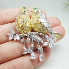 High Quality Zircon Crystal Pendant Magpie Bird Brooch Pin Yellow Parrot Gift