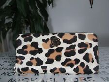 a87269cee660f Michael Kors MK ZA CONTINENTAL Zip Around Wallet Calfhair Leopard