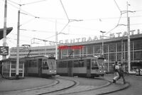 PHOTO  NETHERLANDS TRAM 1986 RET ROTTERDAM CS TRAM NO 802 ON ROUTE 4 AND 704 ON