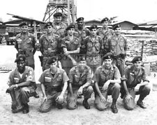 5TH SPECIAL FORCES GROUP VIETNAM WAR U.S. ARMY GREEN BERETS - 8X10 PHOTO (YW010)