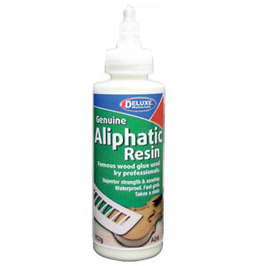 Deluxe Materials Aliphatic Resin AD8 (112 ML) Modélisme
