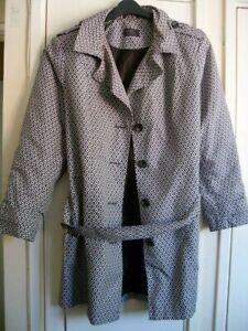ladies raincoat / mac size 22
