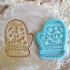 Mitten cookie cutter. Christmas mitten cookie stamp. Christmas cookies