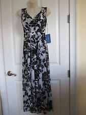 NWT - VERA WANG Beautiful V-neck Sleeveless dress - MSRP $78.00 - sz PXS