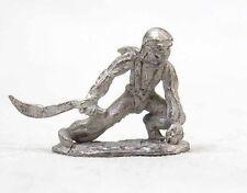 Dark Horse Adventurers NInja Warrior Crouching w/ Sword 25mm Metal Miniature