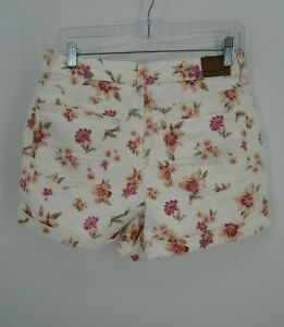 American Eagle Women's Size 6 White Mom Shorts Pleated Denim Floral Retro Vibes
