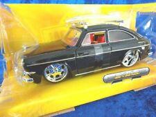 + Volkswagen VW 1600 TL Type 3 avec Planche de surf JADA 1:24 * Noir *