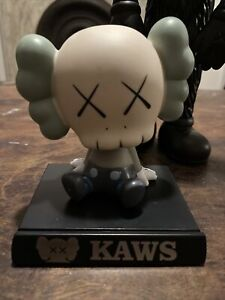 KAWS Companion Bobblehead Medicom w/Box