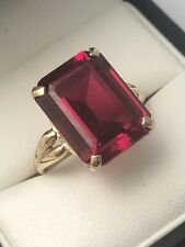 9ct Yellow Gold Large Octagon Cut Synthetic Ruby Stone Ring Size S