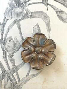 Ancien Cache Clou forme rosace bronze doré - Tableau / Cadre / Miroir XIXeme