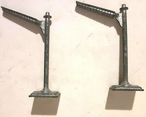 1960's (2) UNBRANDED HO Solid Metal Race Set Lights - 2 Inches tall