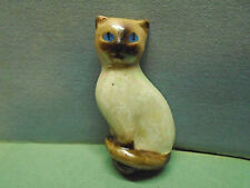 HAND PAINTED PORCELAIN AVON SIAMESE KITTY CAT PIN BROOCH VTG JEWELRY COLLECTIBLE