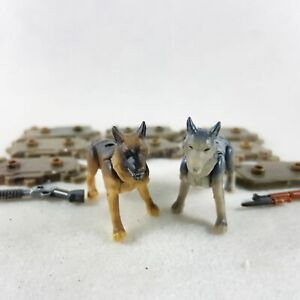 Lot of 2pcs Mega Bloks Construx Hunt Dogs Mini Figures Toy with guns