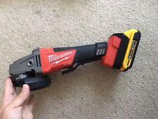 Dewalt battery adaptor to Milwaukee18v tool - one piece