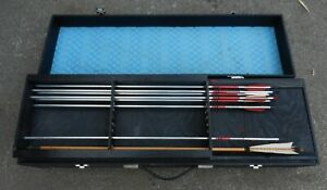 ARCHERY ARROWS & ACCESSORIES IN FITTED CASE - GOOD CONDITION