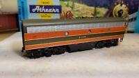 HO Scale Bachmann Plus Great  Northern F7 B Diesel Locomotive engine