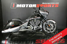 2016 Victory Motorcycles Magnum Black Crystal over Super Steel Gray