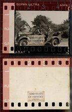 Orig. Foto Soldaten mit Fahrzeug PKW Auto