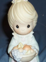 PRECIOUS MOMENTS  FIGURINE THE FRUIT OF THE SPIRIT LOVE