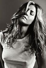 Jennifer Aniston Unsigned 8x12 Photo (27)